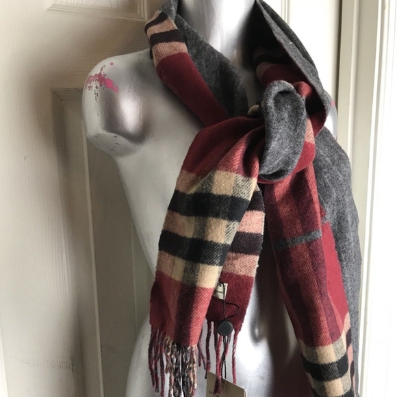 9fea4750863 Burberry Reversible Check Wool cashmere Scarf